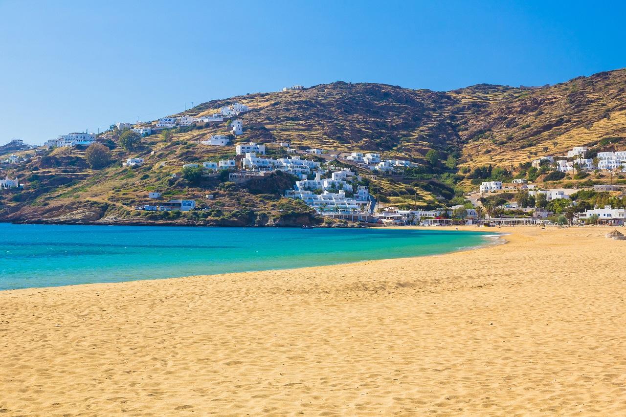 Pláž Mylopotas, Ios